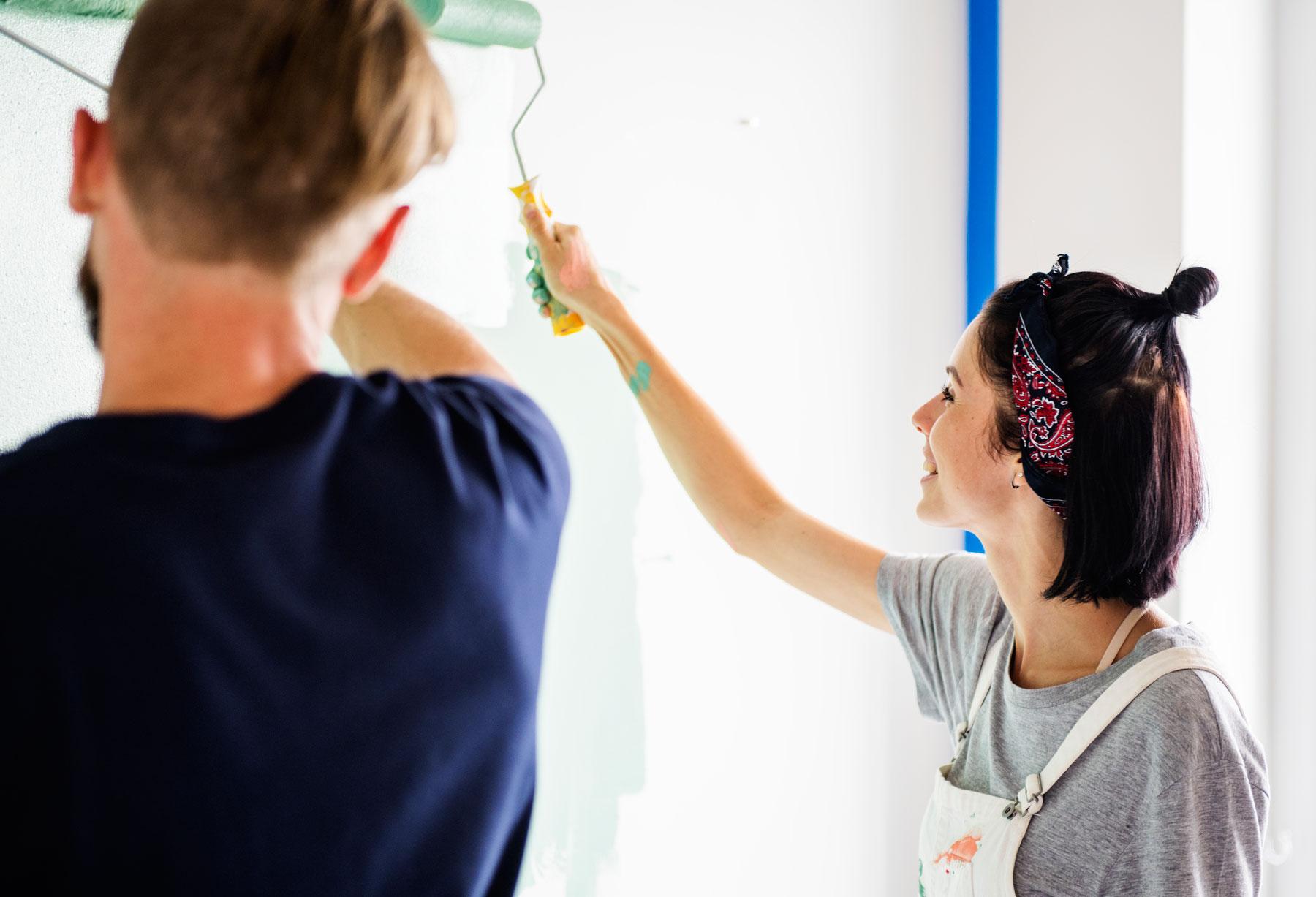 ¿Cómo pintar un departamento moderno?